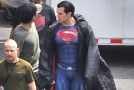 Batman V Superman : Henry Cavill s'expose plus