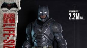 Hot Toys révèle leur statue taille réelle de l'Armored Batman de Batman v Superman