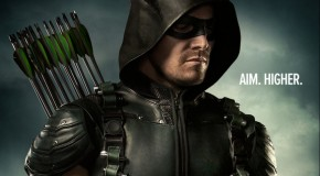 Stephen Amell tease le vilain de la saison 5 d'Arrow