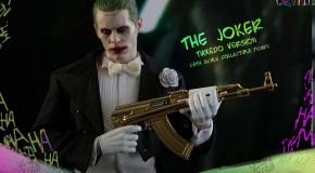 Hot Toys dévoile leur figurine du Joker en costard de Suicide Squad