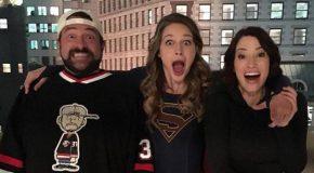 Kevin Smith réalisera un autre épisode de Supergirl Saison 2