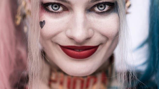 Un meilleur aperçu des tatouages de Harley Quinn dans Suicide Squad 2