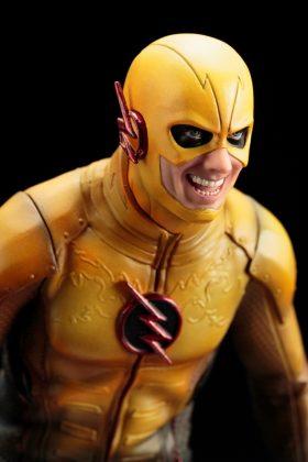 Kotobukiya présente leur statuette de Reverse-Flash version CW 10