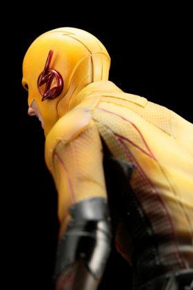 Kotobukiya présente leur statuette de Reverse-Flash version CW 13