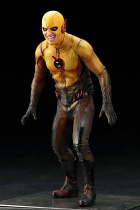 Kotobukiya présente leur statuette de Reverse-Flash version CW 2