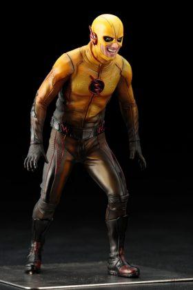 Kotobukiya présente leur statuette de Reverse-Flash version CW 4