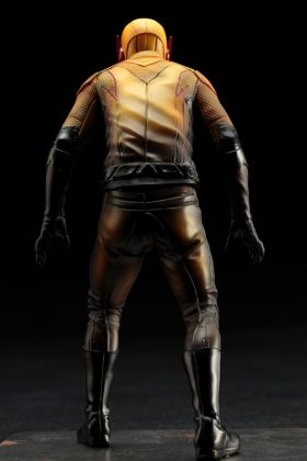 Kotobukiya présente leur statuette de Reverse-Flash version CW 6
