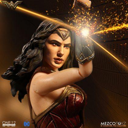 Mezco dévoile leur statuette de Wonder Woman 2