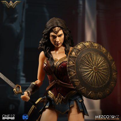 Mezco dévoile leur statuette de Wonder Woman 3