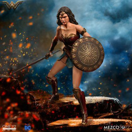 Mezco dévoile leur statuette de Wonder Woman 4