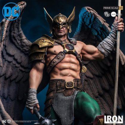 Une nouvelle statuette impressionnante de Hawkman 7