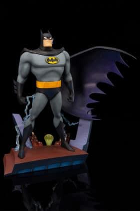 Kotobukiya s'inspire du générique de Batman : TAS pour une statuette dantesque 1