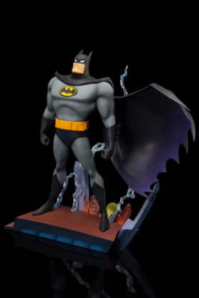 Kotobukiya s'inspire du générique de Batman : TAS pour une statuette dantesque 5
