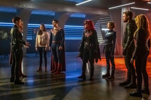 Le crossover Crisis on Infinite Earths fait le plein de photos et teasers 3