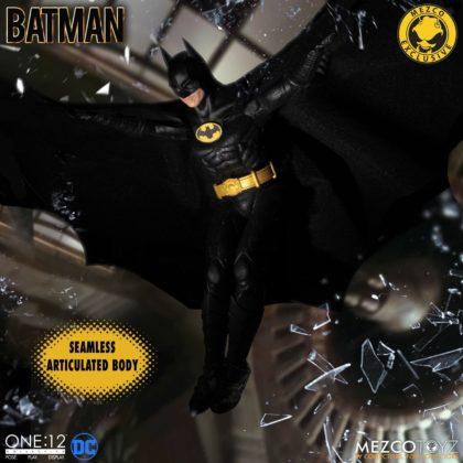 Le Batman de Keaton réapparait avec la figurine Mezco Toyz : Batman - 1989 Edition 4