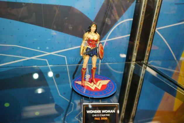 DC présente ses nouveautés sur les stands de la Toy Fair 2020 100