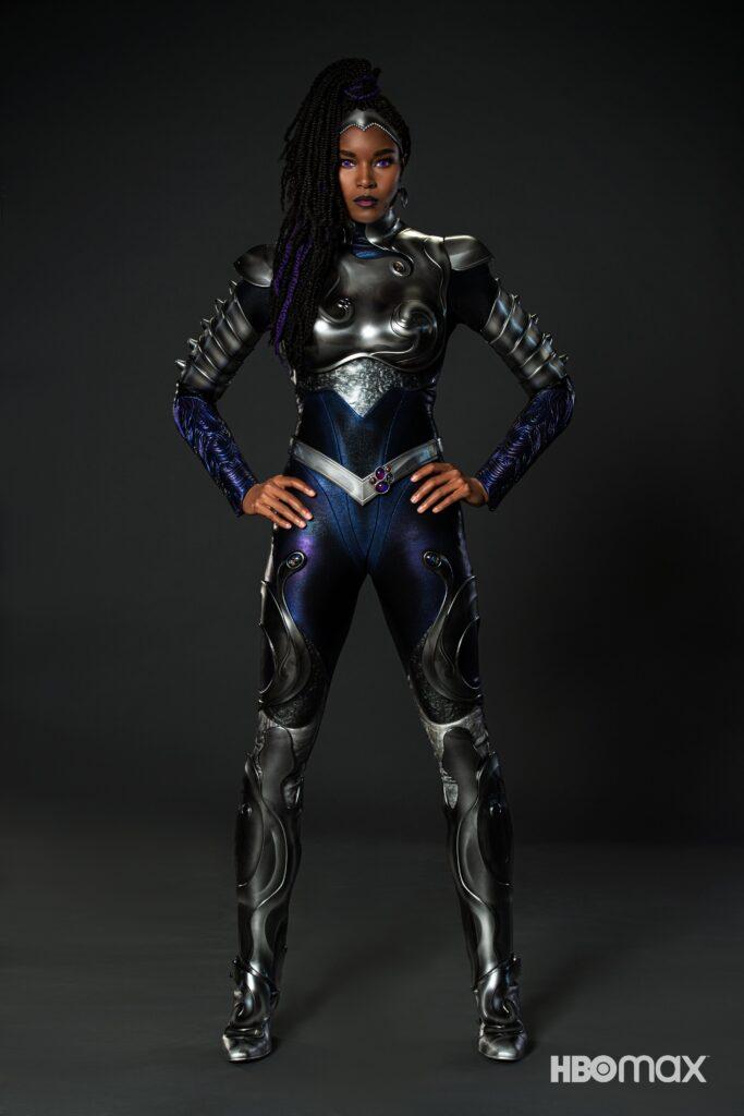 Titans saison 3 : Blackfire se montre en costume 26